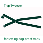 Trap Tweezer  (for setting dog proof traps)